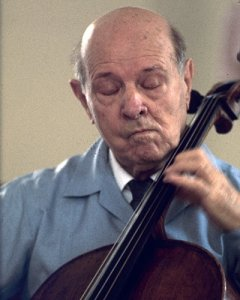 Spanish cellist, pianist, composer and conductor Pablo Casals (1876 - 1973) at Zermatt, Switzerland. (Photo by Erich Auerbach/Getty Images)